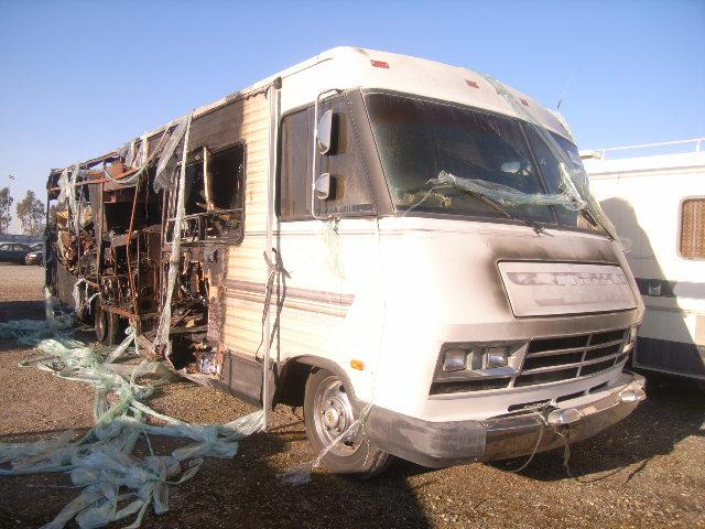 Salvage 1985 CHEVROLET P SERIES - Small image. Lot 23763747