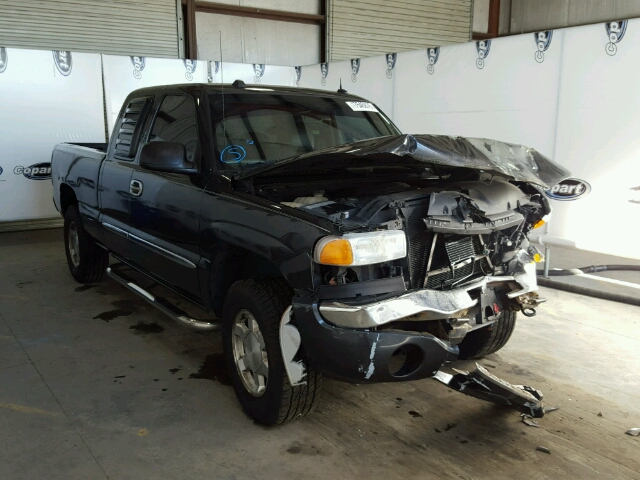 Salvage 2004 GMC SIERRA - Small image. Lot 17545876