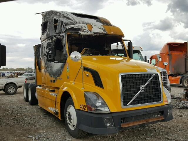 Salvage 2011 VOLVO VN - Small image. Lot 39704057