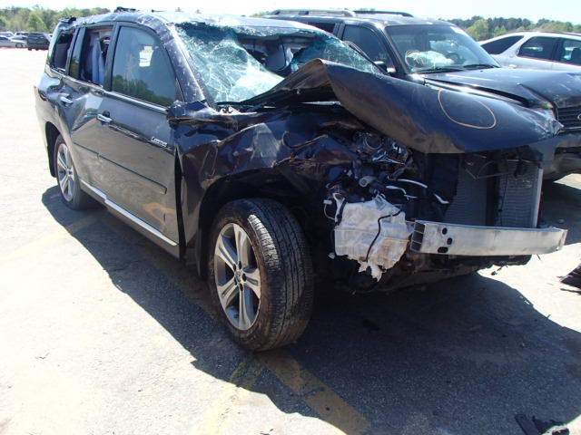 Salvage 2011 TOYOTA HIGHLANDER - Small image. Lot 18258044