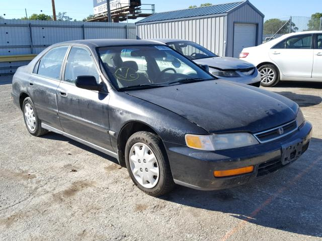 1996 HONDA ACCORD LX   Left Front View Lot 47108138.