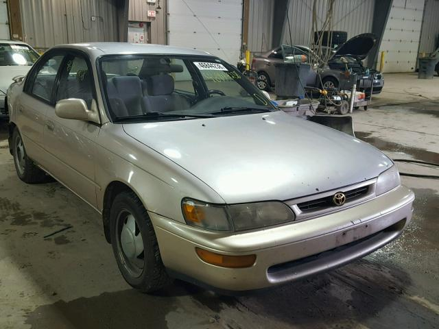 1997 TOYOTA COROLLA DX   Left Front View Lot 46844238.